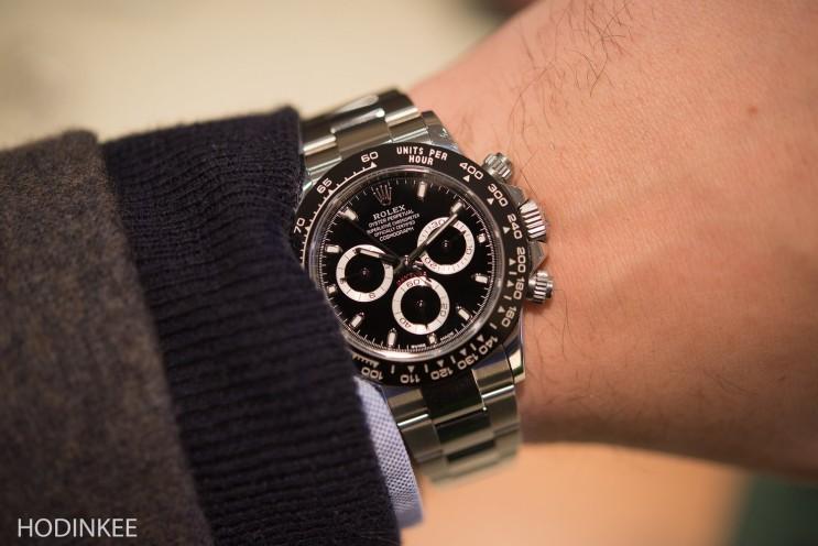 8af27ae7016 나에게는 개인적으로 매우 만족스럽지만 Fratello watches에 있는 친구 Robert-Jan씨는 데이토나가 조금 더 커지거나  두터워지길 바랬다고 한다.