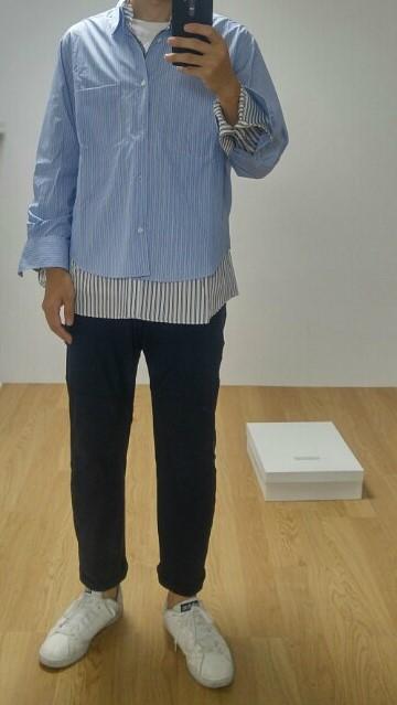 a2e0be37df9 바로 안에 스트라이프 셔츠 소매만 접어주면 딱 맞게 깔끔하게 입을 수 있답니다.