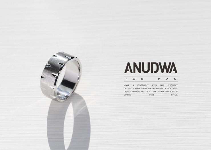 f00aaa2a4e9 아누드와는 전문 디자이너가 남자만을 위해 폭이 두껍고 남성적인 반지를 제작하는 전문 브랜드로 희소성도 있으며 흔히 볼수 없는 디자인 입니다.